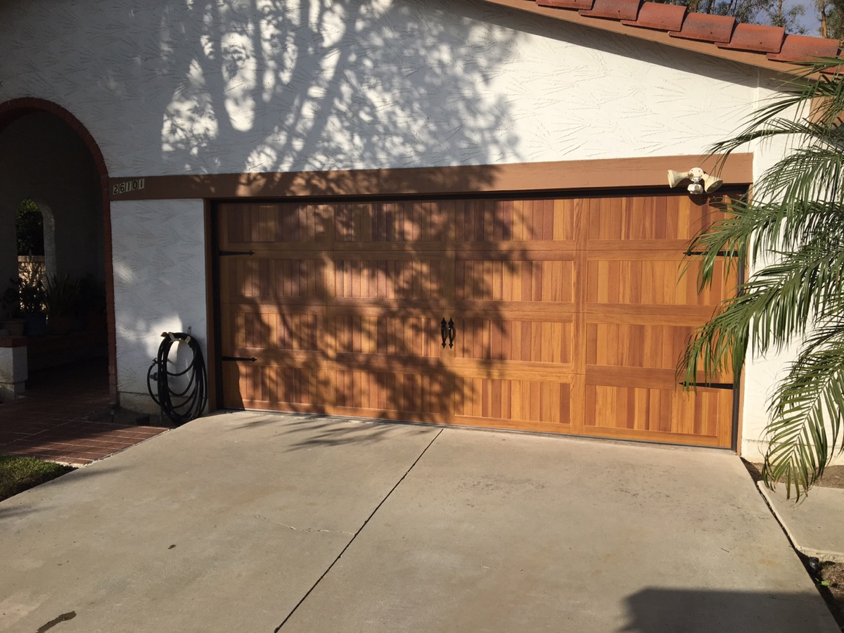 CHI Cedar Door in Lake Forest & CHI Cedar Door in Lake Forest - CityScape Garage Doors